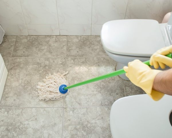 Bathroom professional cleaning
